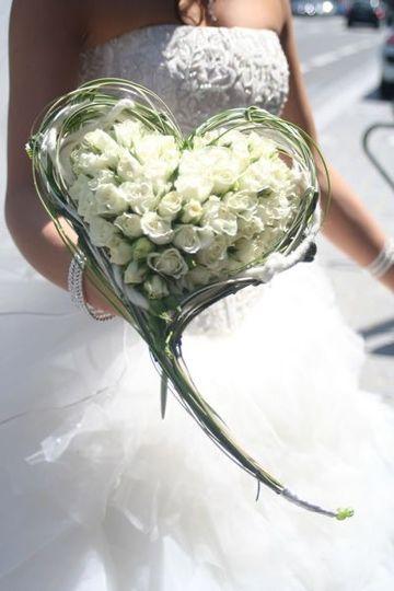 Unusual brides bouquet