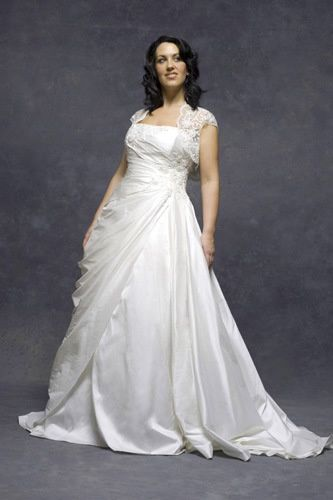 Fuller figure and plus size gowns