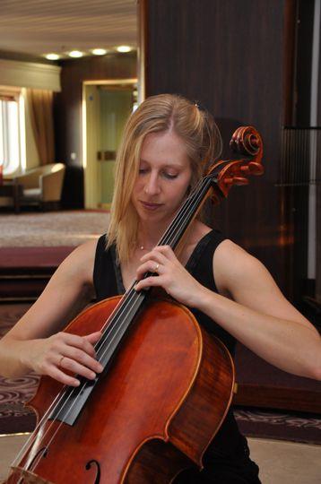 Sara - Cello