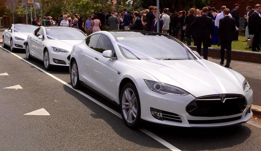 tesla model s wedding car hire basingstoke hampshire electric supercar 4 151334
