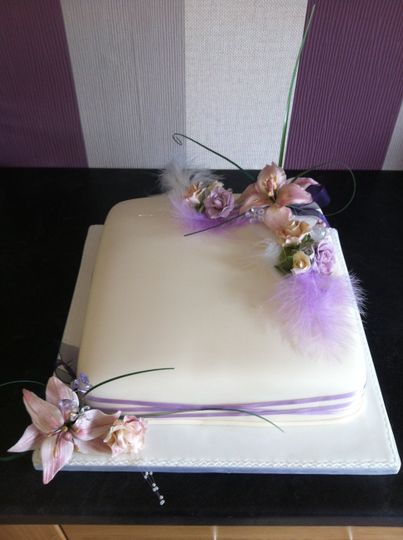Lilly wedding cake