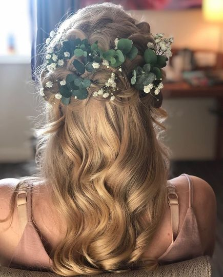 Boho hairstyle with florals