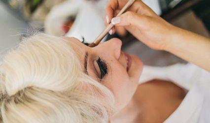 Amber Julie Smith Make-up Artist