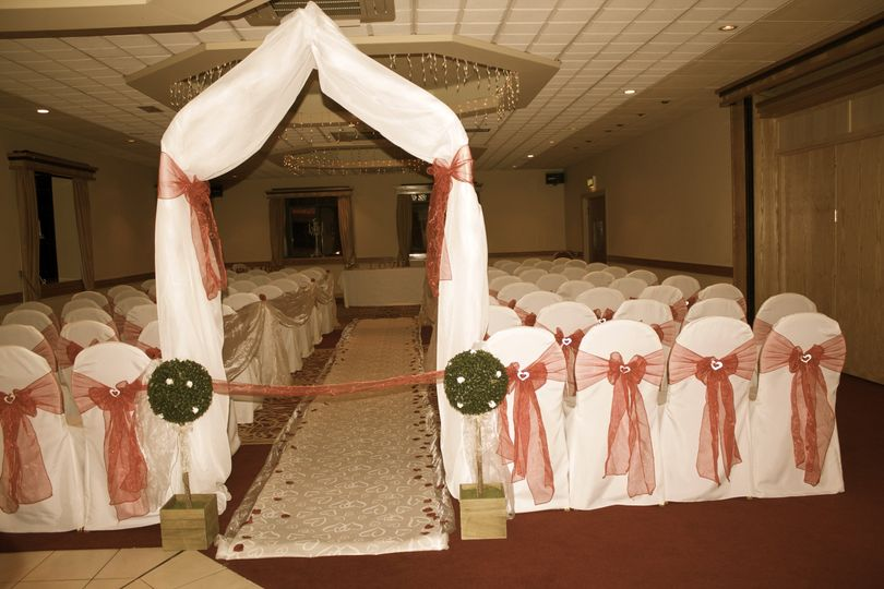 Ceremony Arch, Aisle Runner