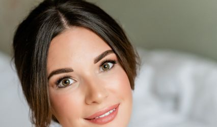 Jessica Short Hair & Makeup 1