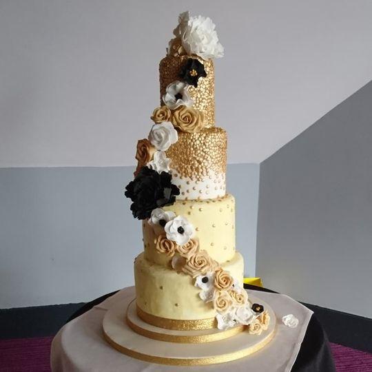 goldsugarflowercake 4 111602