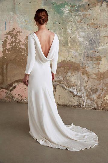 Long-sleeved elegance