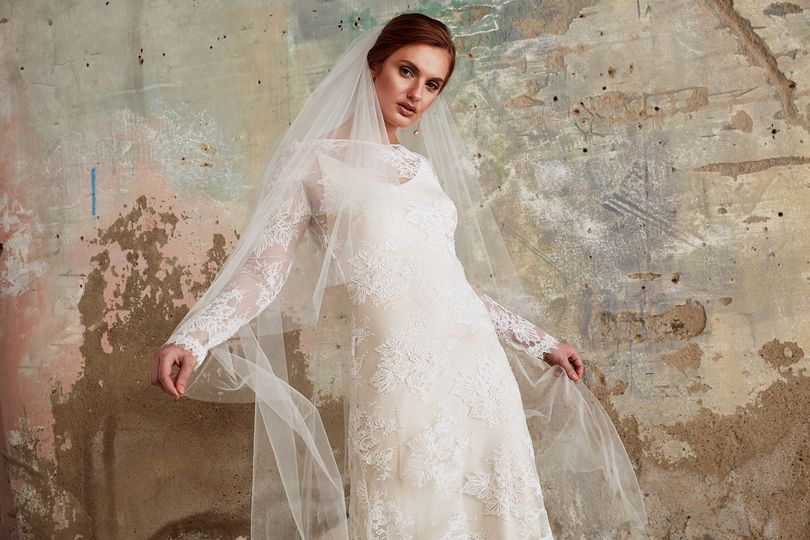 Elegant lace with veil