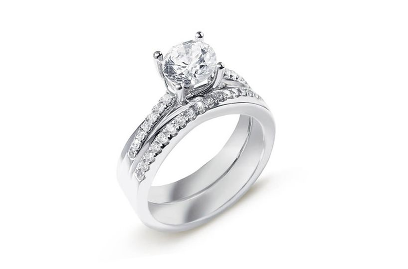Béo Embrace Diamond Ring