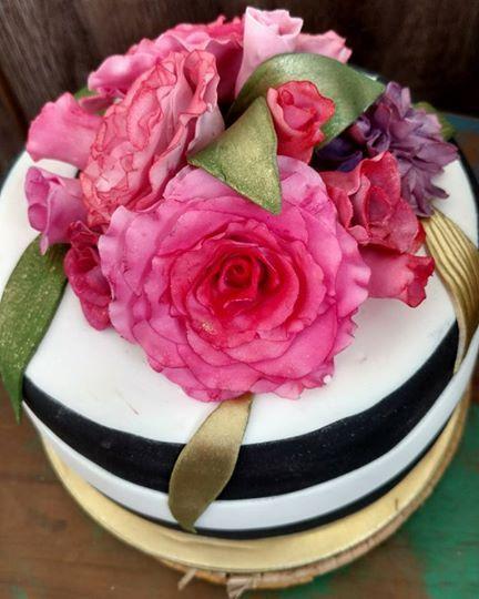 Handmade flowers for your cake