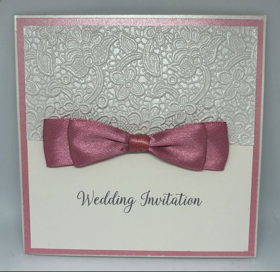 Lace and bow details