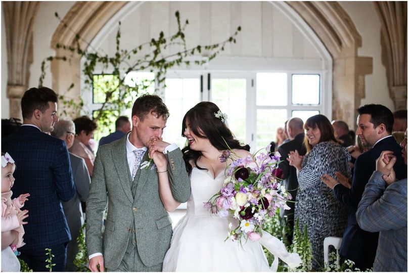 Newlyweds and their flowers