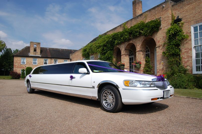wedding limousine at hemswell court lincolnshire 2 4 31744