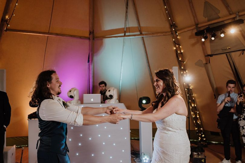 Music and DJs Atmospheric Audio - Wedding DJ 16