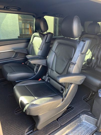 V Class MPV with 5 rear seats