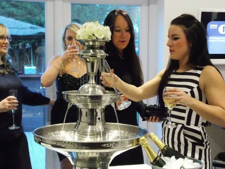 Champagne/drinks fountain
