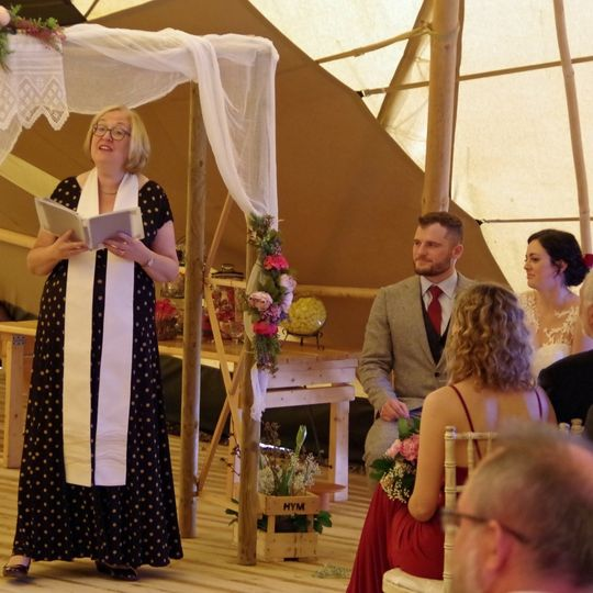 Gorgeous tipi wedding