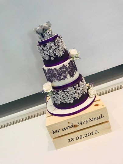 Edible lace with flowers