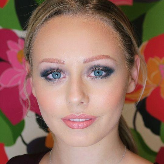 Rebecca Tromans Makeup Artist