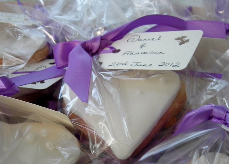 Iced Heart Favours & Tag £1.50