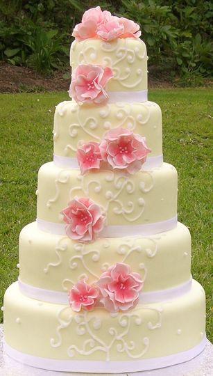 Iced scrolls wedding cake