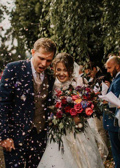 Photographers Fox Photography Cardiff -Confetti moments