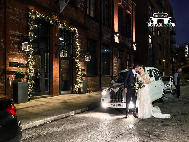 Cars and Travel iDoTaxi Wedding Cars & Taxis 9