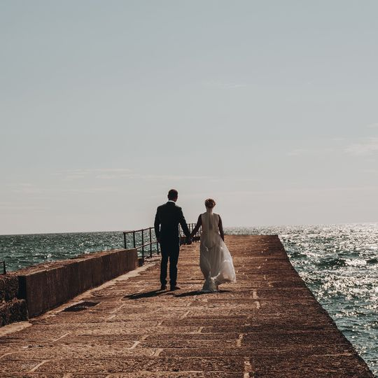 Oliver Harris Photography - Hand in hand