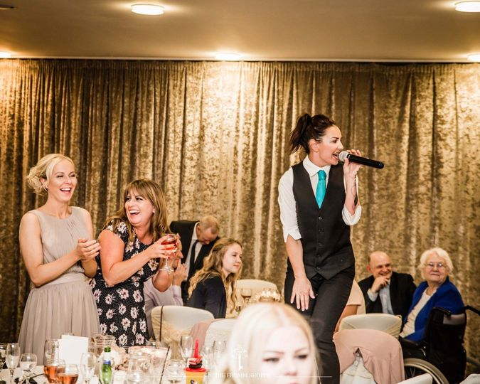 Entertainment Ultimate Singing Waiters 12