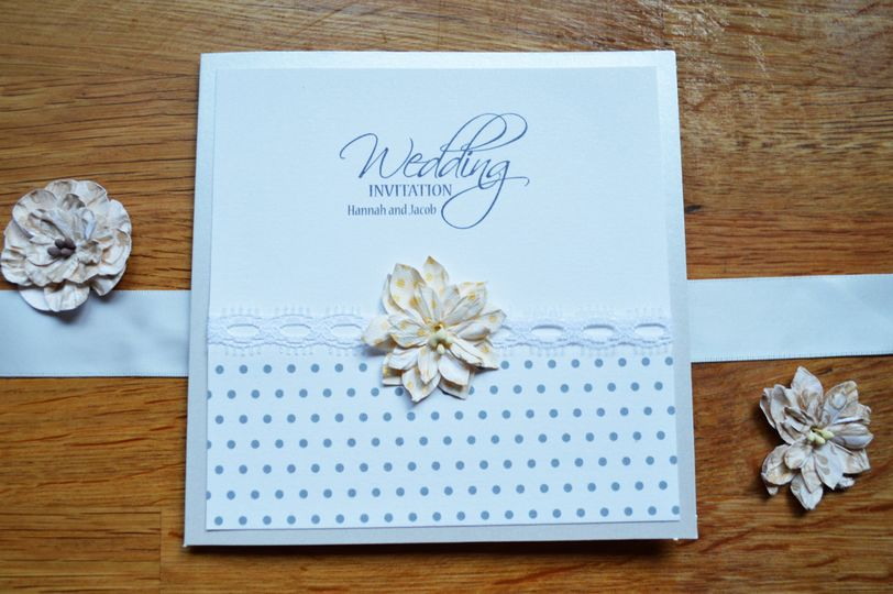 Dots and daisies invite