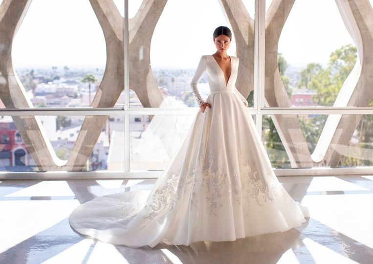 brown pronovias cruise 21 1 114969 158798770651822 4 2020 158919762642121