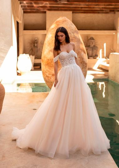 Caron, Pronovias cruise