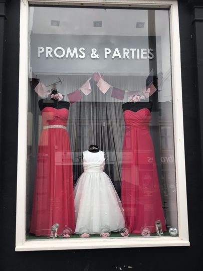 Bridesmaids & Flowergirl