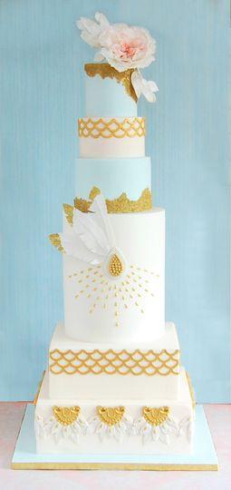Art deco vintage wedding cake
