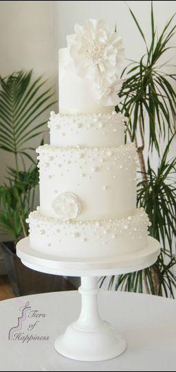 White pearl cake
