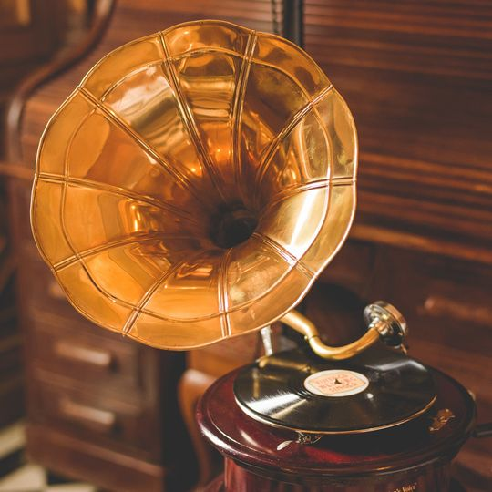 Gloria the Gramophone