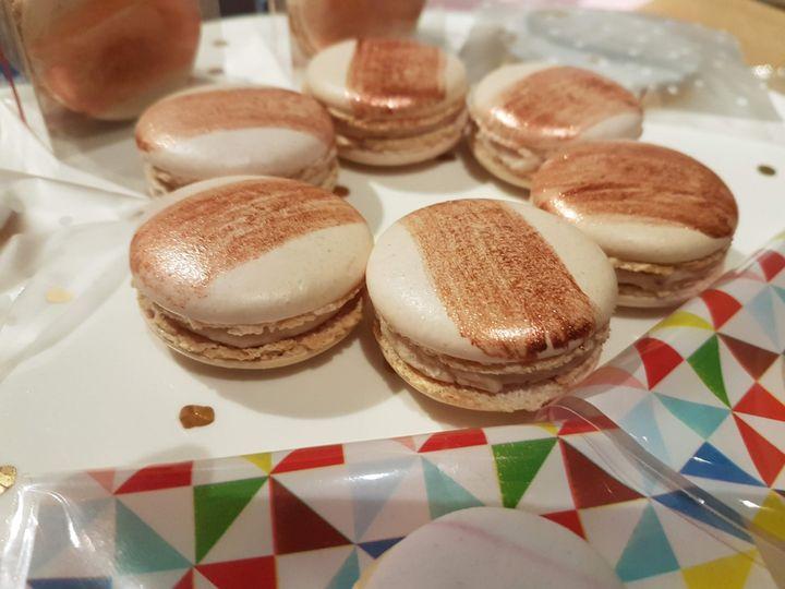 Macaron rose gold detail