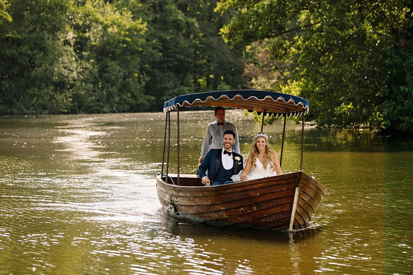 Newlyweds in a boat - SMH Photography