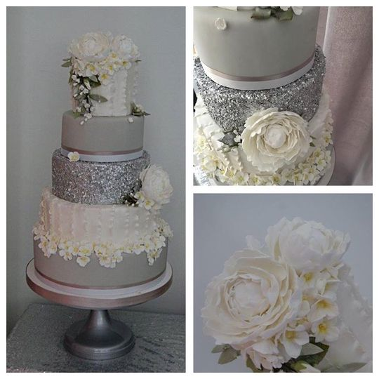 Elegant frills wedding cake