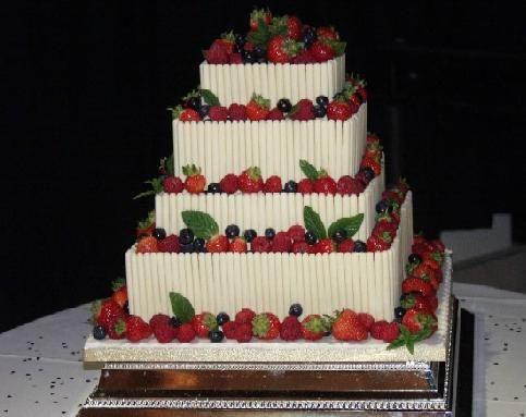 Berry 20wedding 20cake