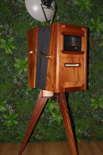 Bellows Tri-Pod Booth