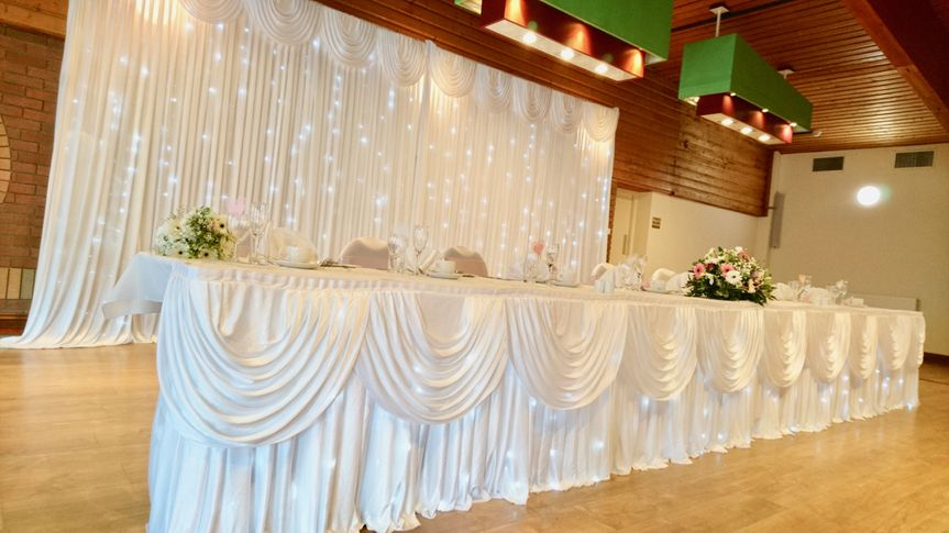 Top table backdrops and swags