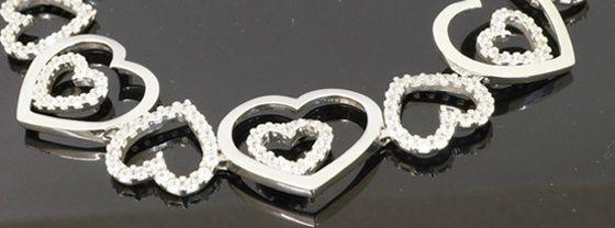 Heart design bracelet