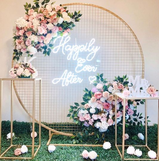 Happily ever after gold mesh
