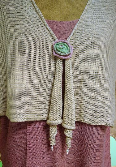 Coil cardigan with flower broo