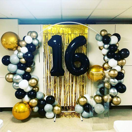 Entertainment Balloon Girl Decor & Hire 40