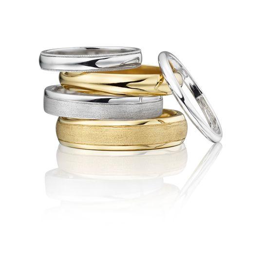 wedding bespoke rings 4 172939 1554474179