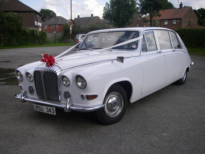 Daimler Limo with Ribbons