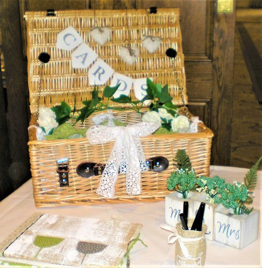 Cards Wicker Baskets & Cases