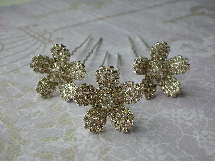 Delphine hair pins